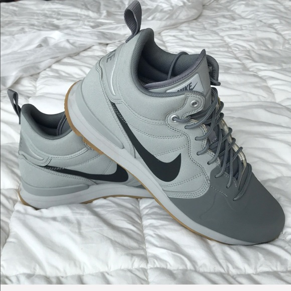 7a3d9a42fa4 Nike Wolf Grey Internationalist Mid. M 5b105e763afbbd1317326c38